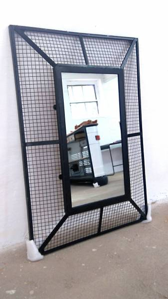 spiegel h ngespiegel wandspiegel schwarz metall industrial. Black Bedroom Furniture Sets. Home Design Ideas