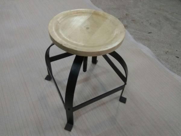 Hocker Drehhocker Metall Stuhl drehbar Höhenverstellbar mit Massiv-Holz Design